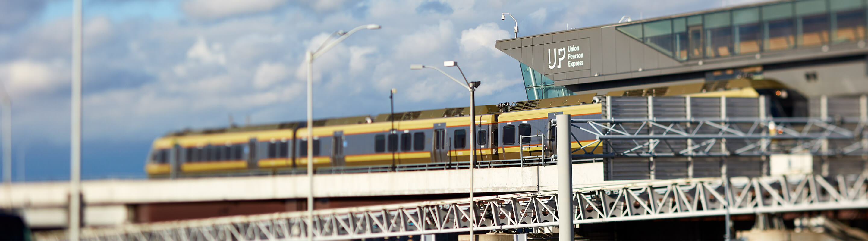 UP Express train arriving at Pearson