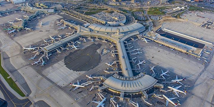 Les compagnies aériennes poursuivent la reprise des vols en octobre