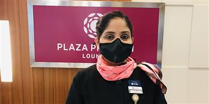 Megha, directrice adjointe du salon Plaza Premium