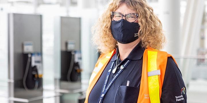 Lisa, plombière à l'Autorité aéroportuaire du Grand Toronto
